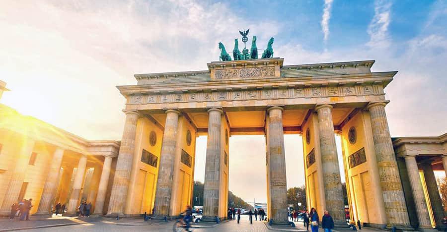 Brandenburger Tor besichtigen nach dem Umzug Wien Berlin.