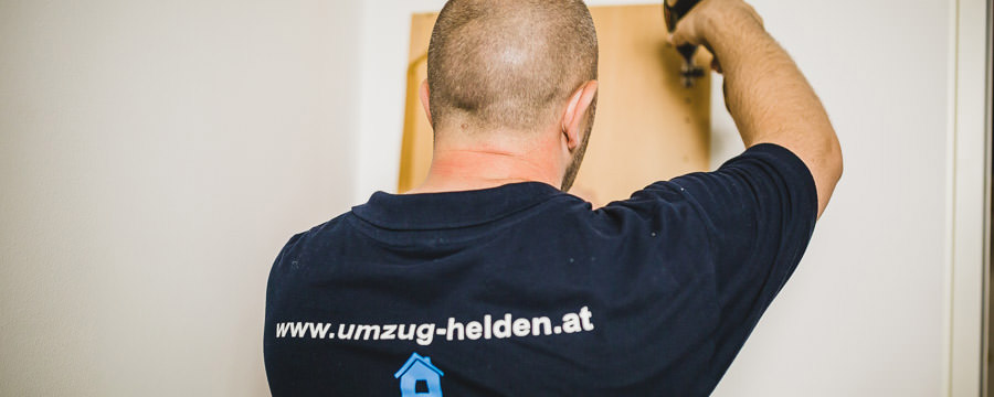 Die Umzugsfirma UmzugHelden erledigt die Möbelmontage beim Umzug Wien Burgenland.