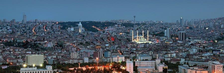 Das Nachtpanorama von Ankara, nach der Übersiedlung Wien Ankara geniessen.