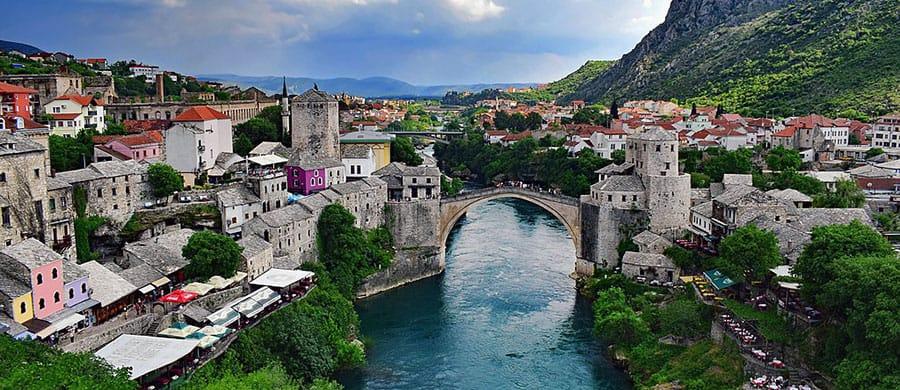 Die alte Brücke besichtigen, nach dem geschaftem Umzug Wien Mostar.
