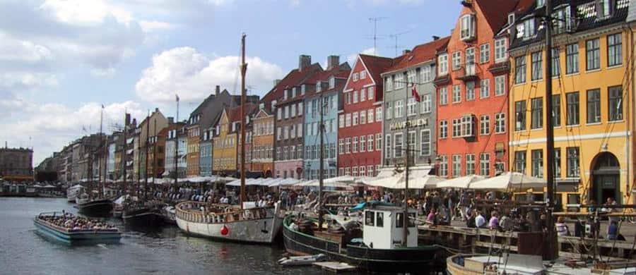 Den berühmten Hafen besichtigen nach dem Umzug Wien Kopenhagen.