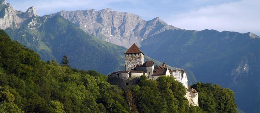 Schloss Vaduz geniessen nach dem erledigtem Umzug Wien Liechtenstein.