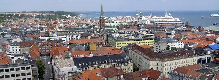 Den Hafen von Aarhus geniessen nach dem Umzug Wien Aarhus.