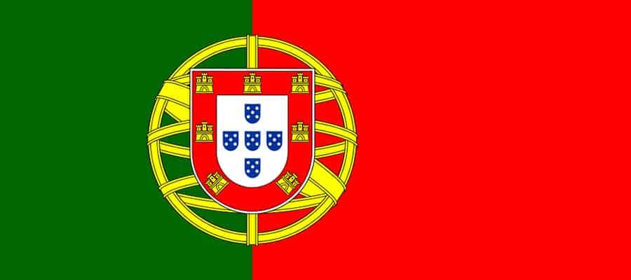 Die Flagge von Portugal, beim Umzug Wien Portugal aufhängen.