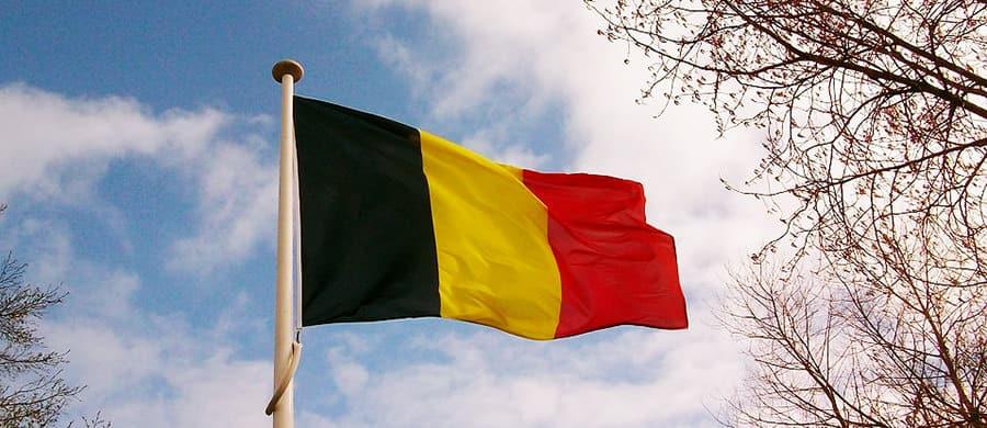Nach dem Umzug von Wien nach Belgien, die Belgische Flagge ausspannen.