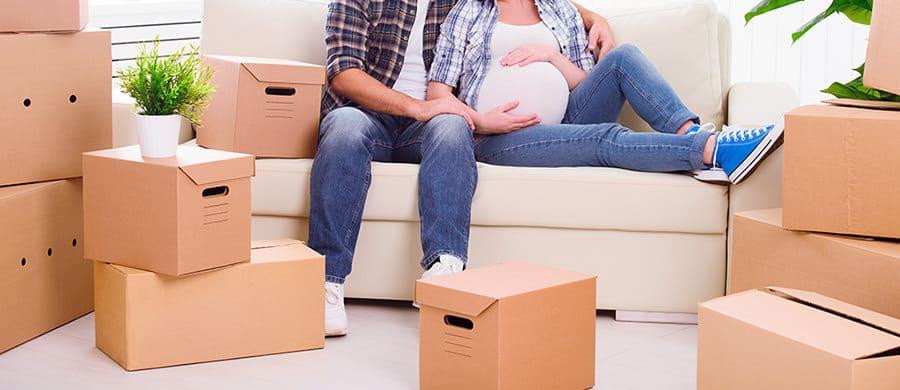 Lesen Sie unsere Tipps für den sorgenfreien Umzug in der Schwangerschaft.