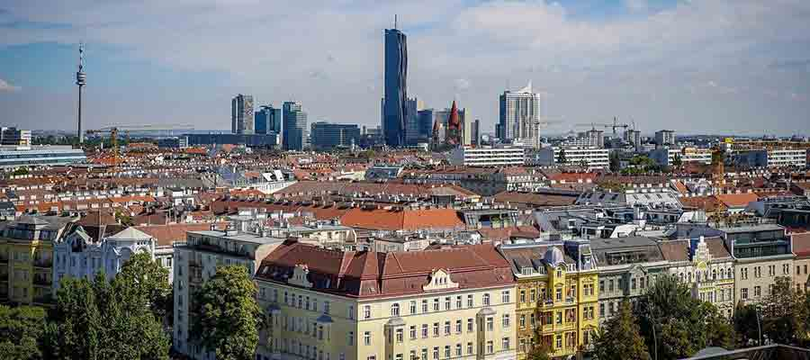 Umzug in Wien organisieren und das Panorama von Wien bestaunen.