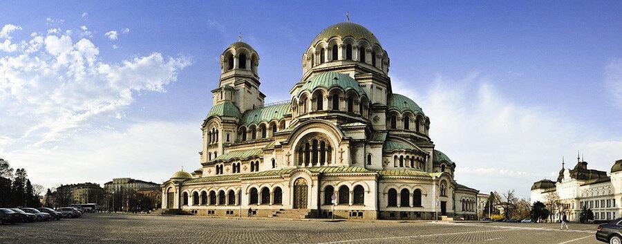 Die schönen Kirchen besichtigen nach dem Umzug von Wien nach Sofia.
