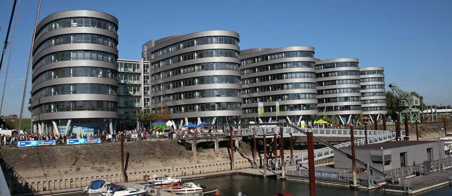 Innenhafen von Duisburg besichtigen nach dem Umzug von Wien nach Duisburg.